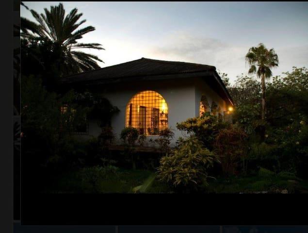 Beach and pool family house in Malindi