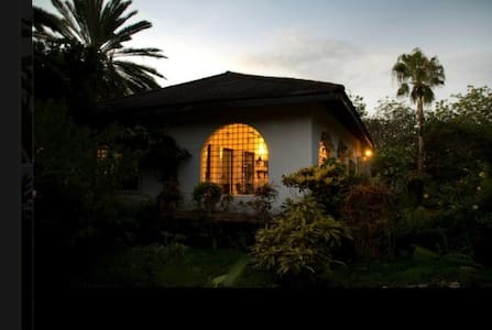 Beach and pool family house in Malindi