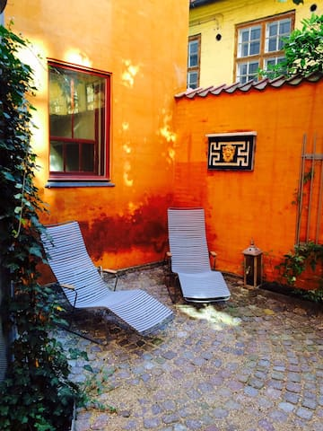 Stay in the charming Latin Quarter