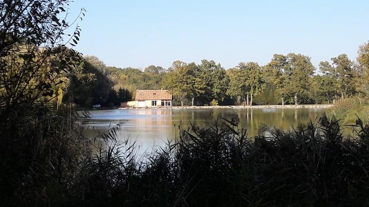 Maison isolée pleine nature-bord de l'eau-Argonne