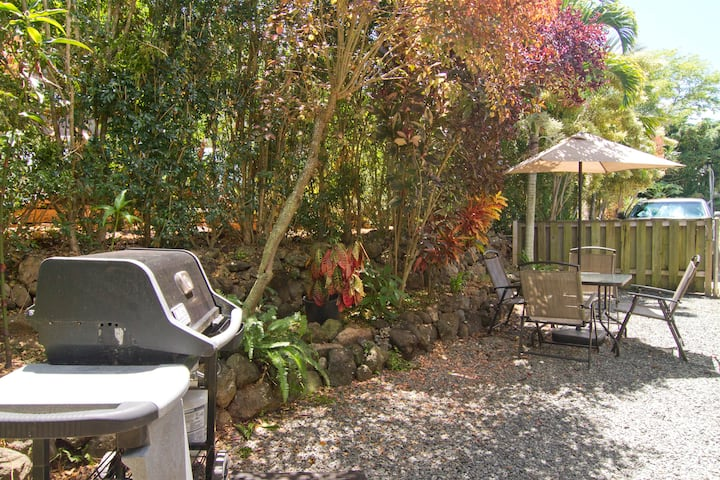Great 1 Bed house! Paradise  Special!