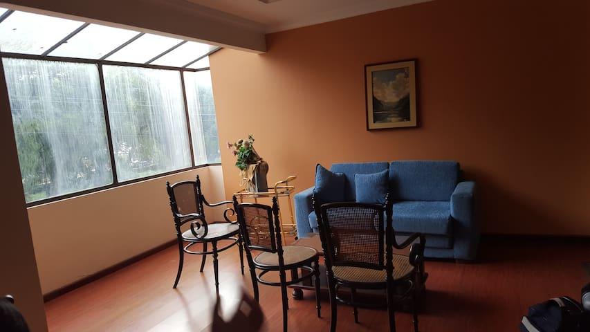 Departamento cómodo con ubicación ideal - Loja - Apartment
