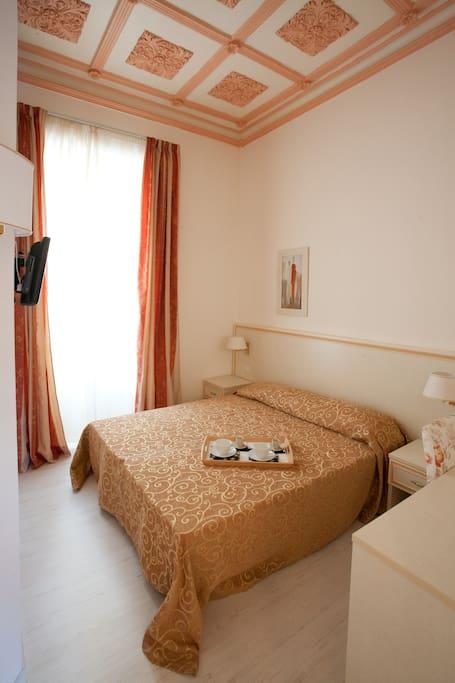 stanza doppia con bagno privato