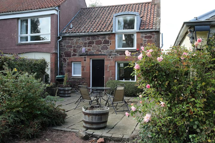 Spacious and bright mews-style cottage - East Linton - Casa