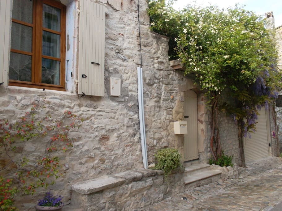 Chambres d 39 h tes atelier du ch teau bed breakfasts for Chambre d hotes vaison la romaine