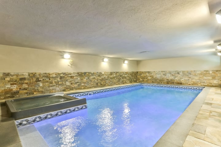 NEW Indoor pool&hot tub in Catskills walkto hunter