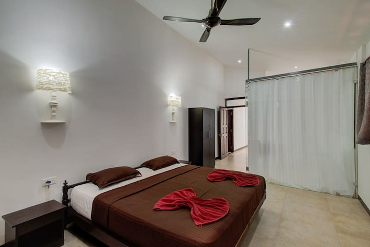 Luxurious villa in Calangute with spacious bedrooms