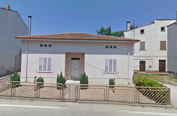 Casa indipendente con garage  - Guastameroli