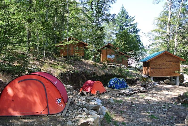 La Cascade des Anglais, Camping