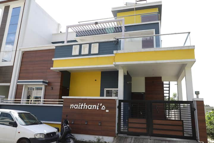Naithani Home Stay Room 101 A.C.Room
