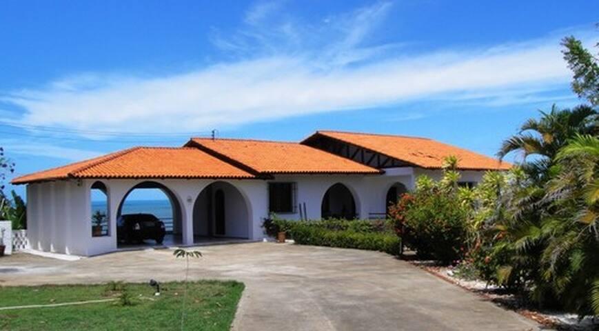 Bienvenidos a la Villa Iparana