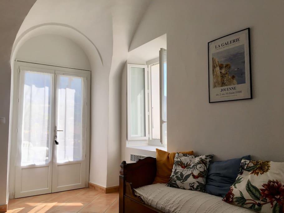 La porte fenêtre côté jardin