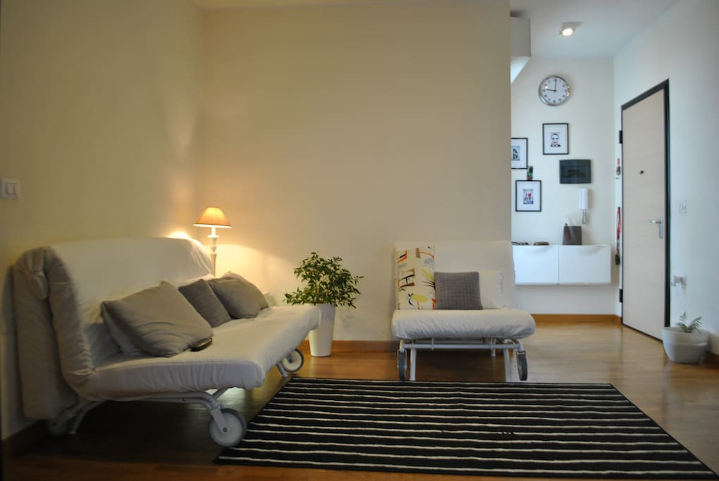 living room with 2 sofa beds ( 1 double + 1 single)