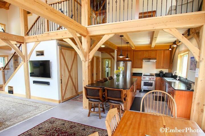 Sugarbush Post & Beam Home, Family-Friendly & More - Warren - Casa