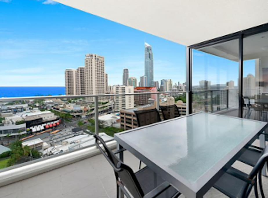 The balcony is great for a sunrise breakfast and also for an afternoon BBQ and cold beverage.