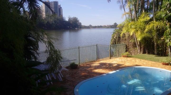 Casa no Lago - SUITE 2 - Lago Igapó - Londrina.