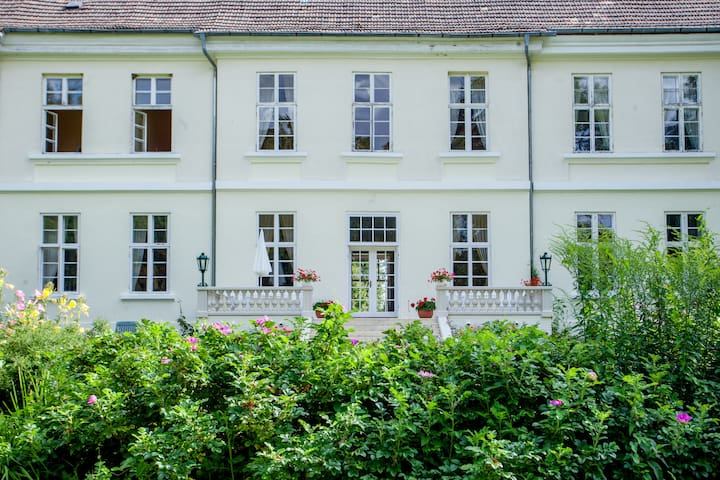 Flat in Mecklenburg Mansion - Whg 2 - Behren-Lübchin - Apartment