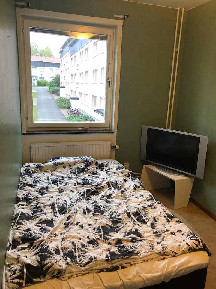 Onebed room with access to apartment