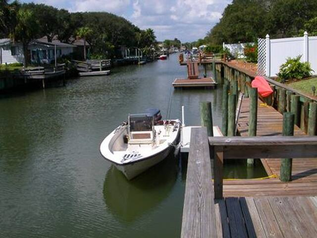 Canal Leading to Intercostal