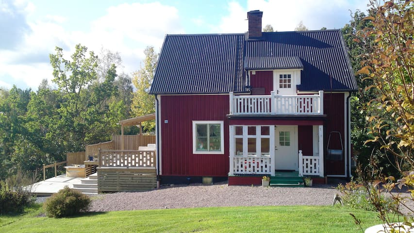 Charming house with sea view - Hedemora - Casa
