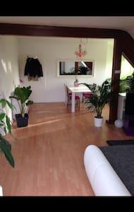 Wohnung zum wohlfühlen - Isernhagen - Apartamento