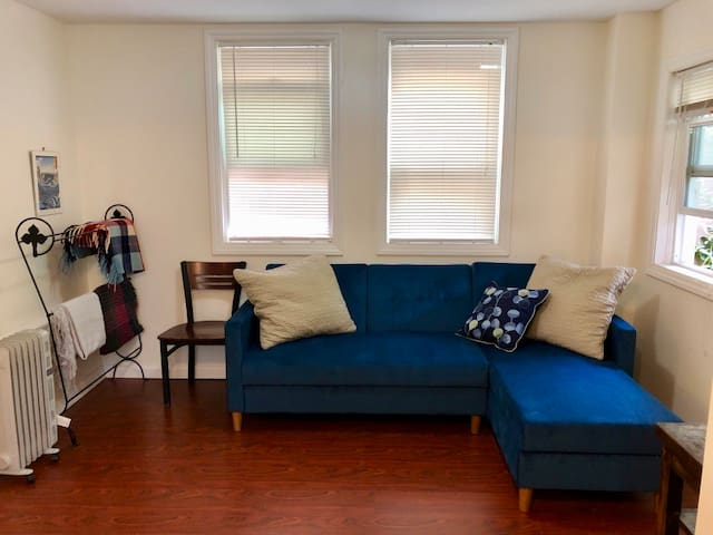 Private Suite in Bayview with Reserved Parking