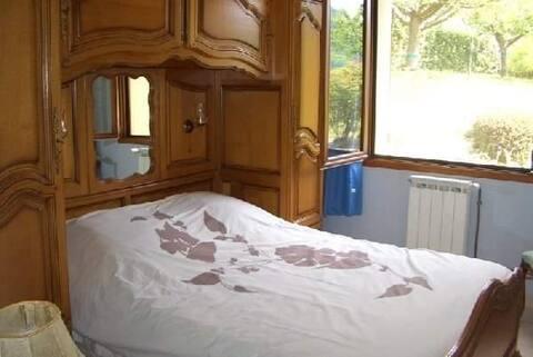 Appartement à St Geniez avec terrasse et jardin