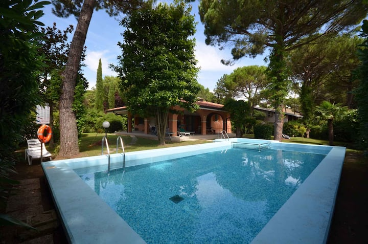 house for 7+2 pers with pool in Lignano R68036