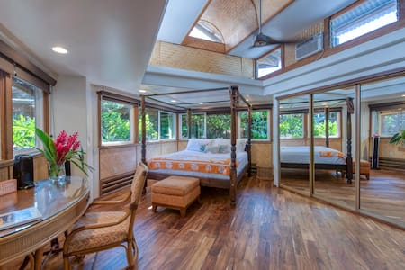 Bedroom with Cal King Canopy Bed
