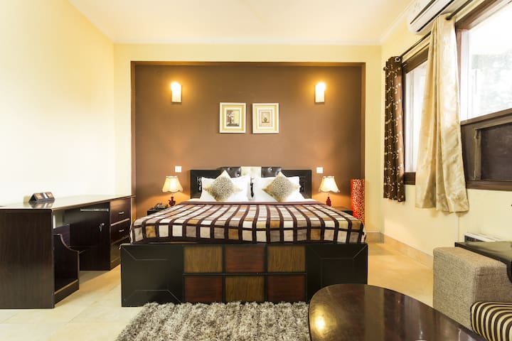 Private Studio Apartment with Kitchen in Gurgaon - Gurgaon