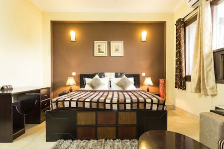 Private Studio Apartment with Kitchen in Gurgaon - Gurgaon - Apartment-Hotel