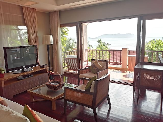 Attractive Seaview Apartment - Amazing Seaview
