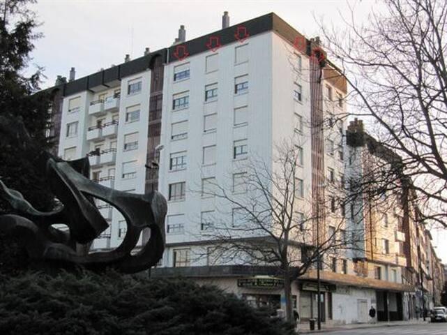 3bd Apartment Palacio de Deportes - Oviedo - Apartment