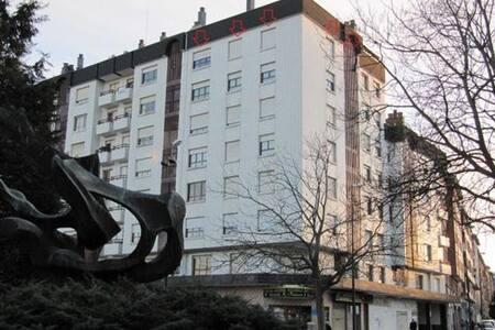 3bd Apartment Palacio de Deportes - Oviedo