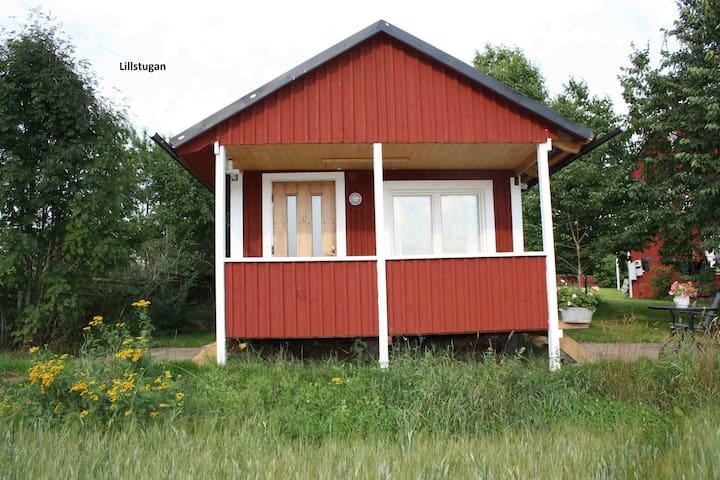 Stuga för 3-4 pers. nära Lönneberga - 57794 Lönneberga - Casa de campo