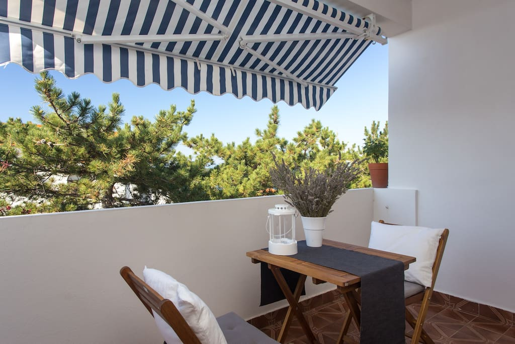 Privat balcony with beautiful sea view,first floor, romantic view on the sea