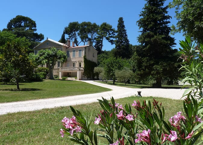 18th century manor near Cassis