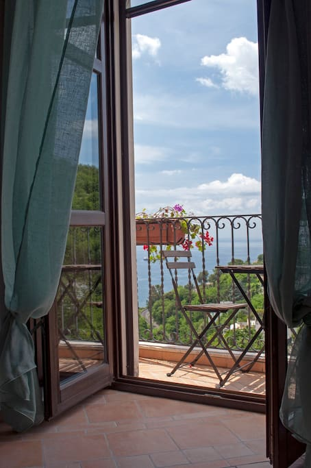 Panorama dei balcone della camera verde