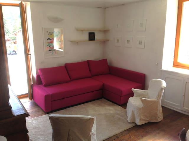 ALLOGGIO IN MONTAGNA SEMPRE AL SOLE - Cesana Torinese - Lägenhet