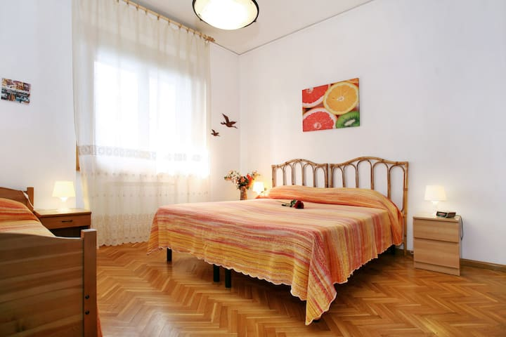 Florence at one step, wifi internet, parking, A/C. - Scandicci - Flat