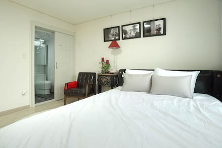 [Sugar#1]Private Room w/Bath, 5min Metro&Egg Wifi - Yangcheon-gu - 公寓