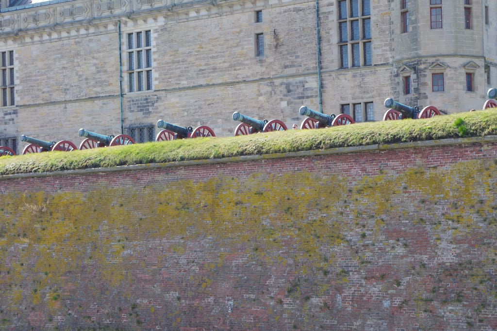 Canons on Kronborg facing our old enemy Sweden