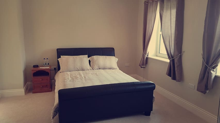 Cosy and Comfortable Kingsize Room with En suite