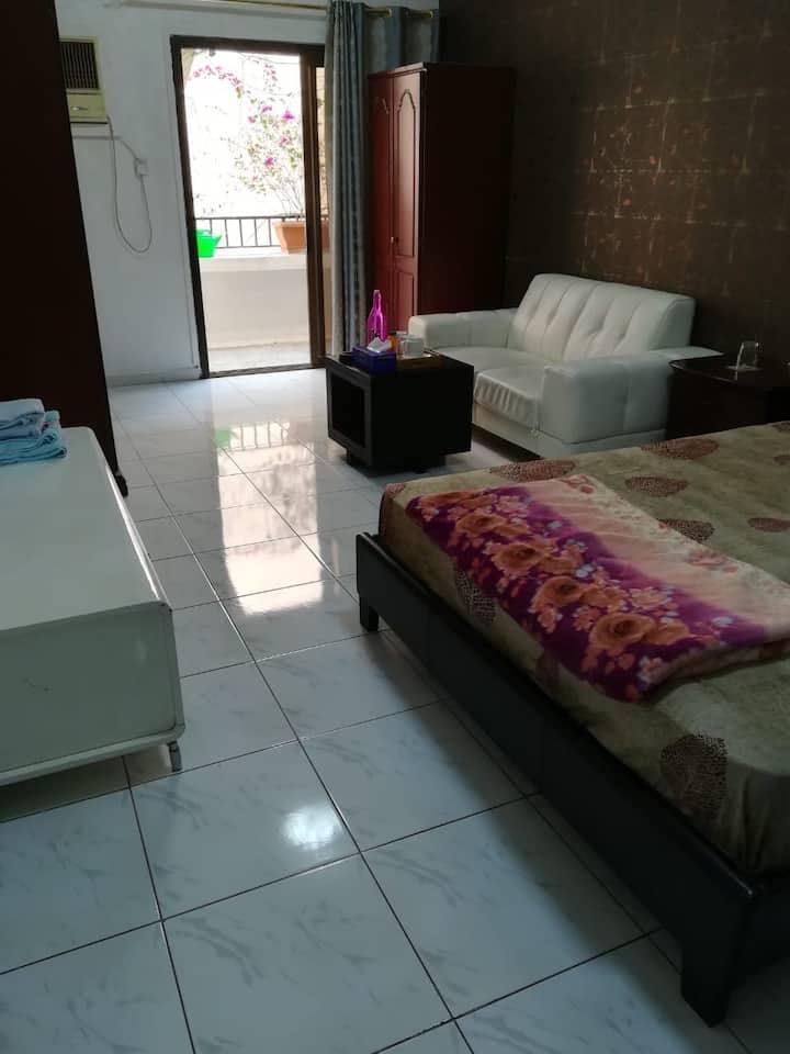 Attractive Bedroom in Bur Dubai near to metro