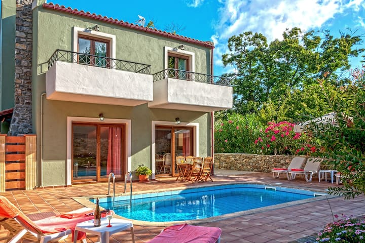 Villa with prvt pool & Jacuzzi near Elafonissi