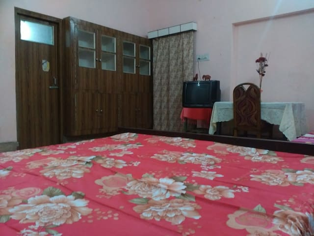 8 Beds(2 Rooms) Cool house+Kitchen+WIFI @ Lucknow