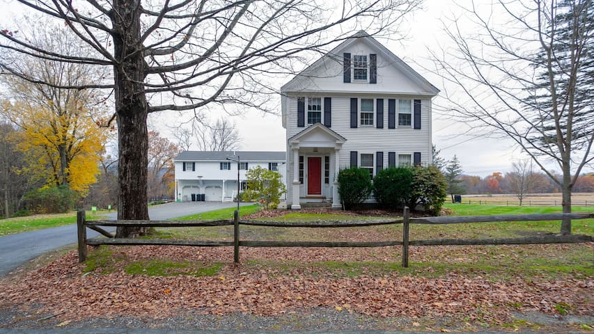 Charming, Large House in Walpole NH /VT. Border