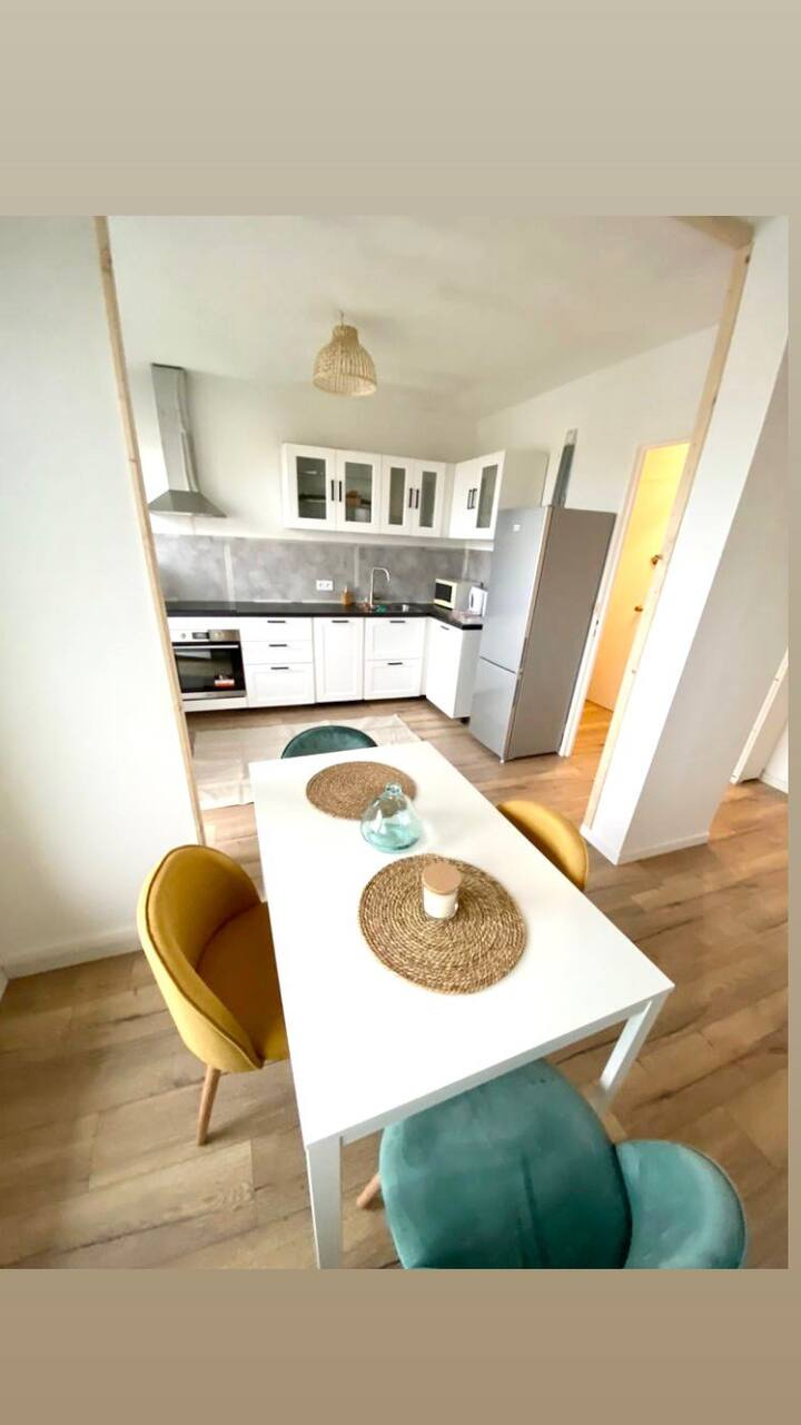Charmant Appartement avec balcon, Rochefort
