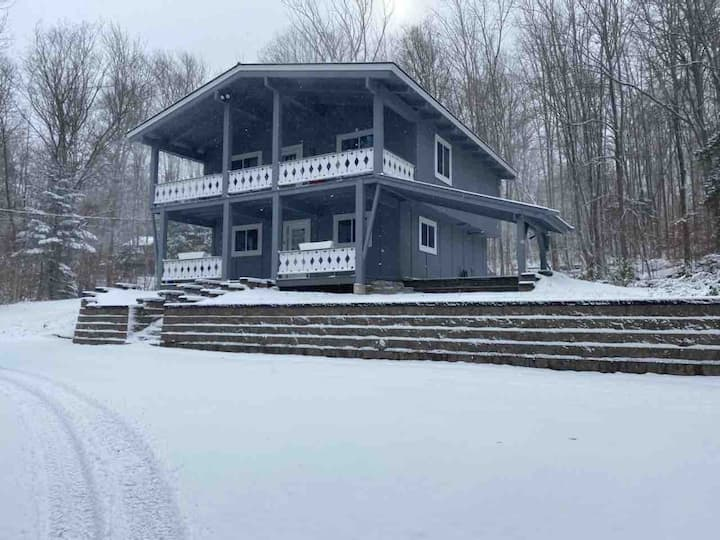The Ski Barn