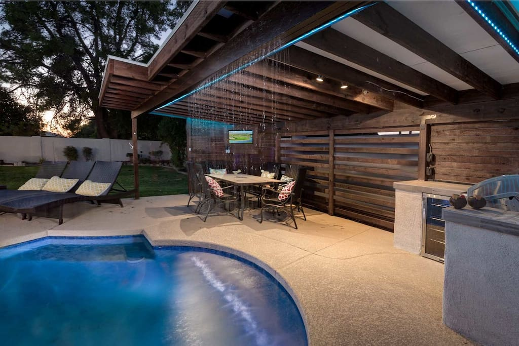 Covered area by the pool